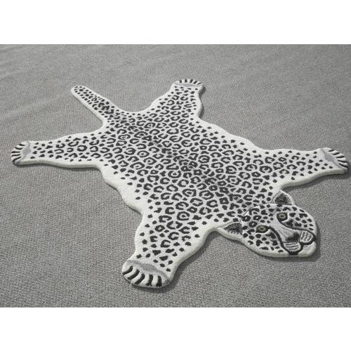 Modern Hand Tufted Leopard Skin Shaped Wool Rug - 4′6″ × 6′ - Image 2 of 5