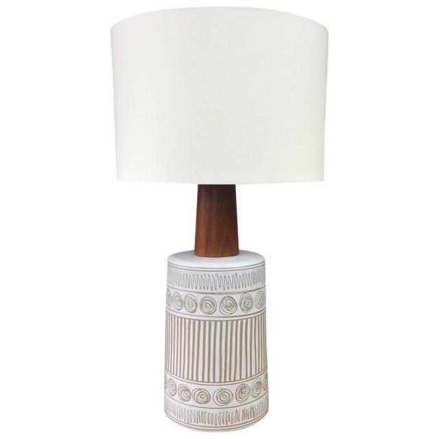 Gordon & Jane Martz for Marshall Studios Ceramic & Teak Table Lamp For Sale