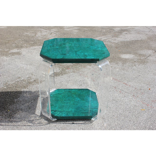 1970s Mid-Century Modern Green Emerald Burwood and Lucite Accent Table For Sale - Image 10 of 13