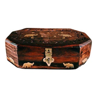1960s Anglo-Indian Hand-Carved Wooden Jewelry Box For Sale