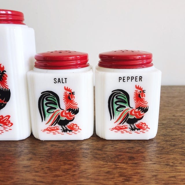 American Vintage Tipp City Roosters Shakers Set: Salt, Pepper, Flour, and Sugar - Set of 4 For Sale - Image 3 of 6