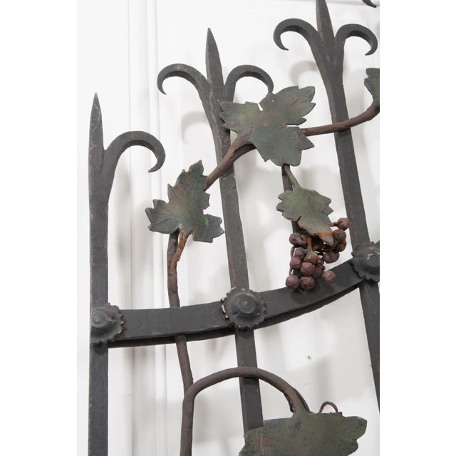 "Pair of French Early 20th Century Painted Wrought-Iron ""Grapevine"" Gates For Sale - Image 4 of 13"