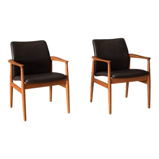 Vintage Danish Teak and Leather Armchairs by Grete Jalk for Glostrup - a Pair For Sale