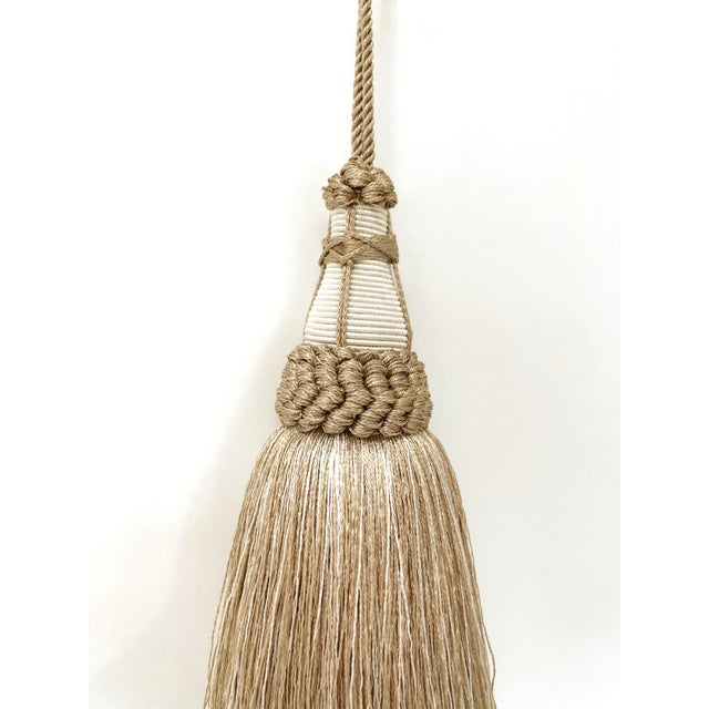 English Tan and White Key Tassel With Looped Ruche Trim For Sale - Image 3 of 10