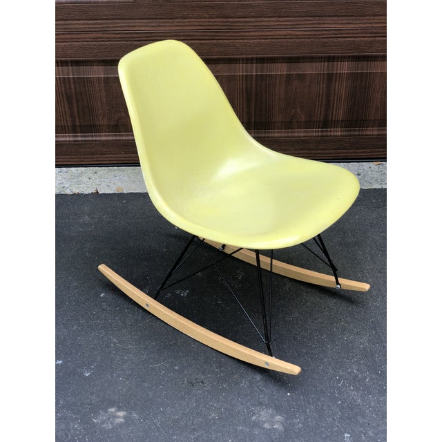 Mid-Century Modern Mid Century Eames Armless Shell Rocker For Sale - Image 3 of 10