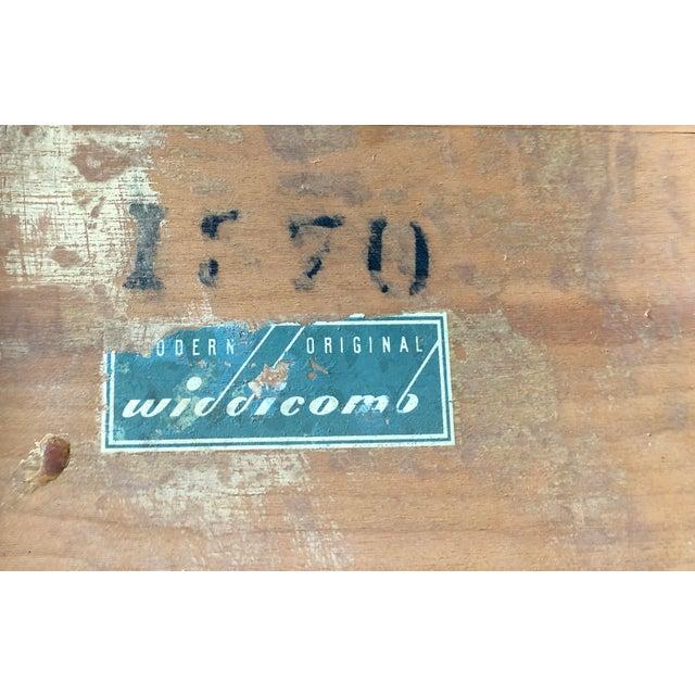 1950s Robsjohn-Gibbings for Widdicomb Stacking Side Tables - Set of 3 For Sale - Image 11 of 12
