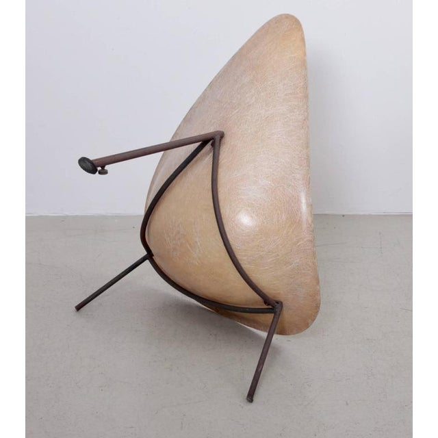 Metal Early French Fiberglass Lounge Chair in Parchment by Ed Merat, France, 1956 For Sale - Image 7 of 8