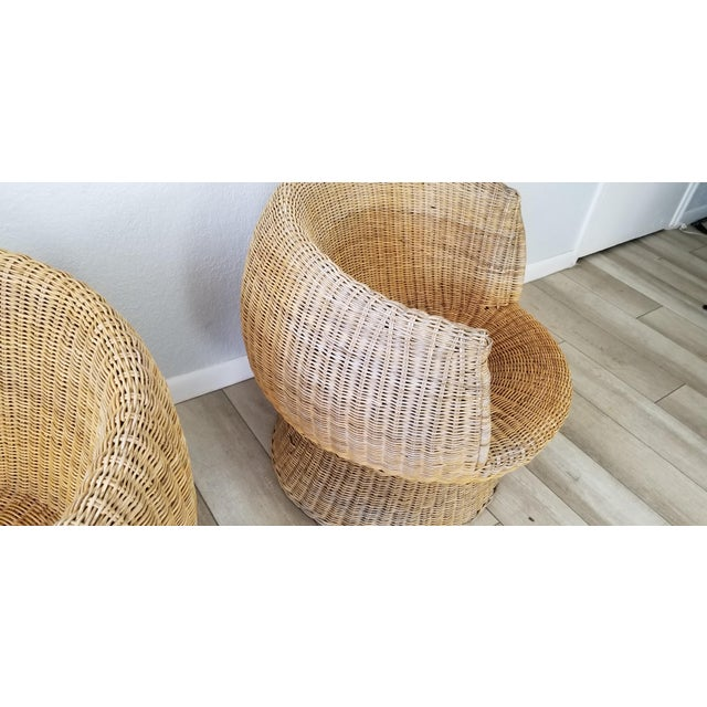 1960's Postmodern Eero Aarino Attributed Wicker Chairs and Coffee Table - Set of 3. For Sale In Miami - Image 6 of 13