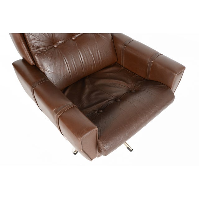 High Back Brown Leather Swivel Lounge Chair - Image 10 of 10