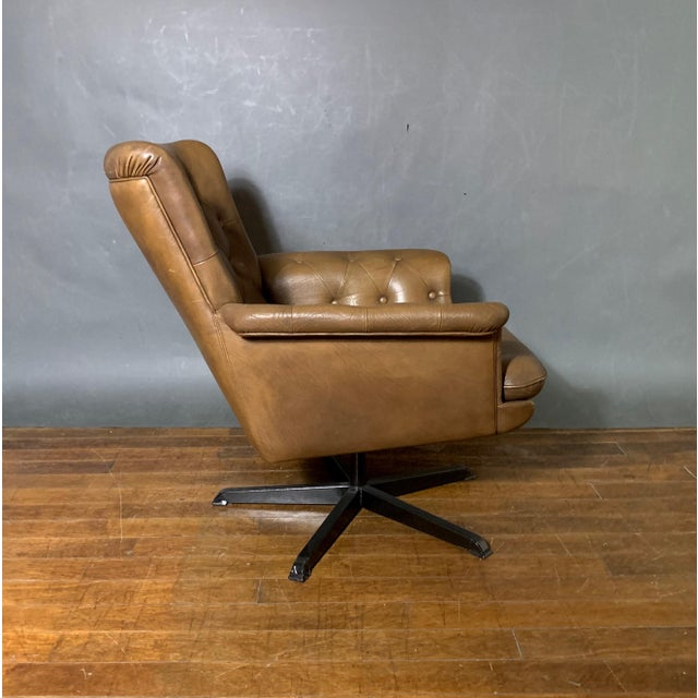 Animal Skin Pair Scandinavian Deep-Buttoned Leather Swivel Chairs, 1970s For Sale - Image 7 of 11