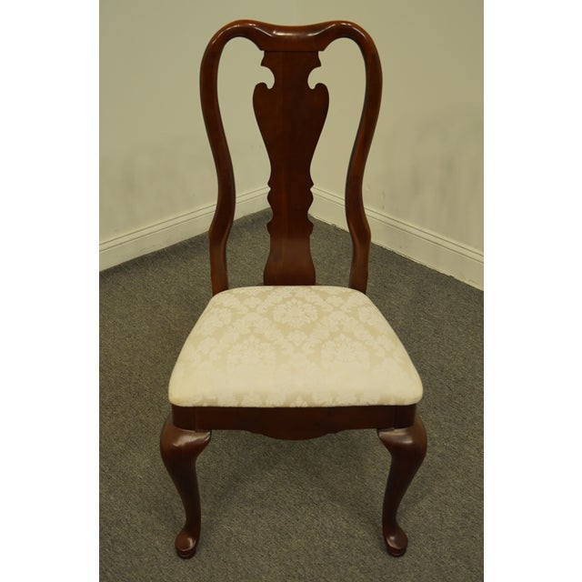 Queen Anne Late 20th Century Thomasville Furniture Collectors Cherry Collection Dining Side Chair For Sale - Image 3 of 11