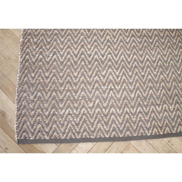 Modern Chevron Gray Wool And Natural Fiber Rug 8x10 SKU Number: 1021-9A4088 Description: Modern Chevron Gray Wool And...