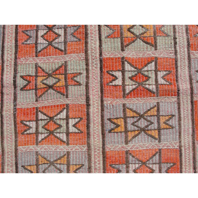 "Vintage Turkish Kilim Rug - 4'9"" x 5'1"" For Sale In Houston - Image 6 of 11"