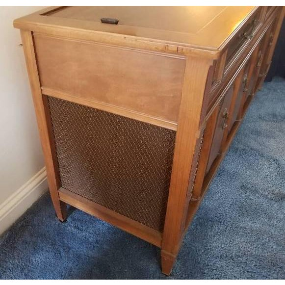 Working Mid-Century Modern Magnavox Astro-Sonic Stereo Console (Record  Player With Radio)