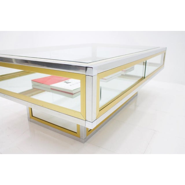 Vitrine Coffee Table in Chrome, Brass and Glass, France 1970s For Sale - Image 10 of 13