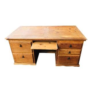 1980s Rustic Executive Western Executive Desk For Sale