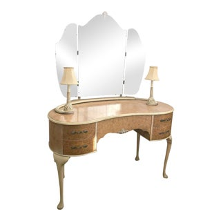 Wrighton European Lamp Vanity