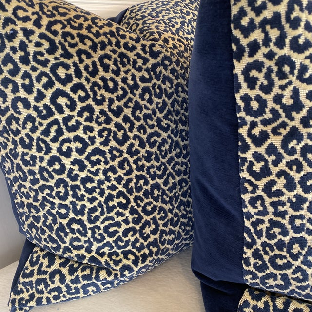 """Scalamandre Scalamandre """"Panthera Velvet"""" in Indigo 22"""" Pillows-A a Pair For Sale - Image 4 of 7"""