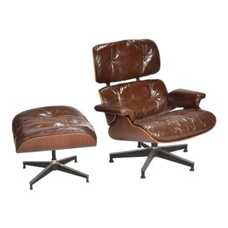 1950s Early Ray & Charles Eames for Herman Miller Lounge Chair & Ottoman in Rosewood - a Pair For Sale