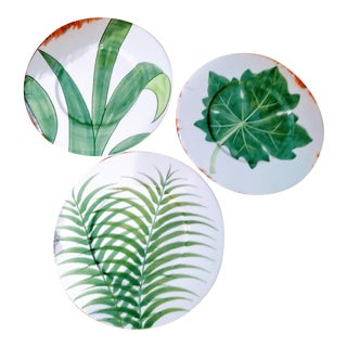 Set of 3 Large Italian Vietri Hand Painted Tropical Decorative Leaf, Fern Palm Wall Plates For Sale