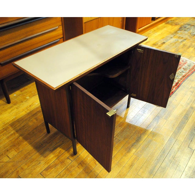 Small Mid-Century Walnut & Brass Bar - Image 6 of 8