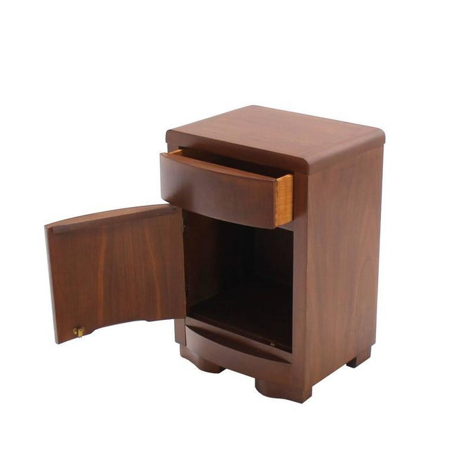 Early 20th Century Pair of Art Deco Walnut End Tables Nightstands For Sale - Image 5 of 9