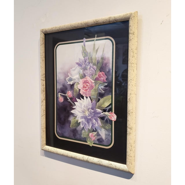Very cool 80's floral print with watercolor art flowing into 3 tone matting. Off-white ribbed frame with black speckling.