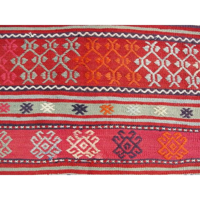 Vintage Turkish Kilim Rug - 4′11″ × 7′10″ For Sale In Houston - Image 6 of 11