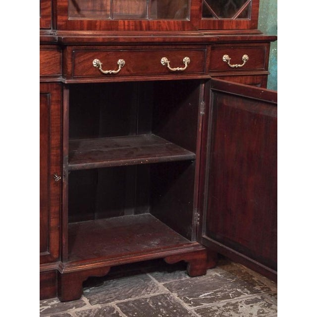 Antique English Mahogany Small Breakfront Bookcase For Sale In New Orleans - Image 6 of 8