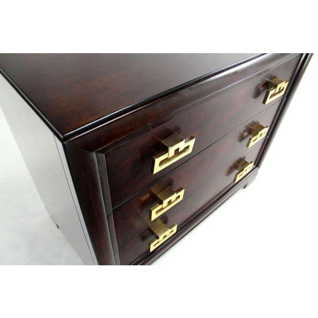 Very nice midcentury bachelor chest by Kittinger. Outstanding design and craftsmanship.