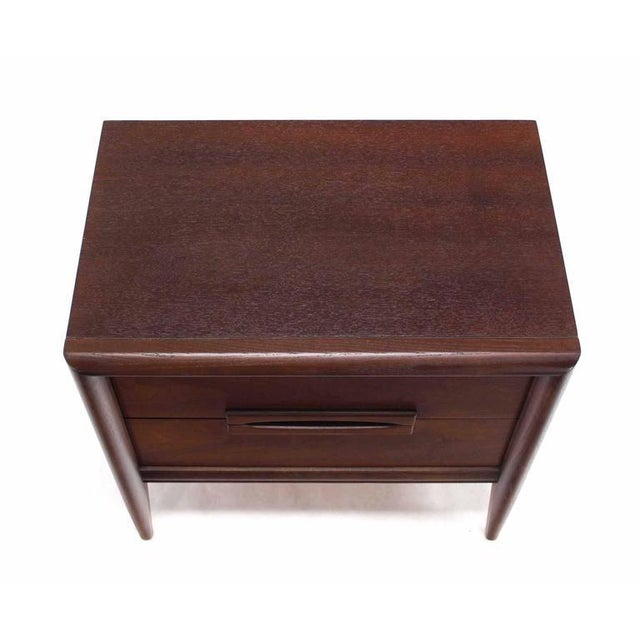 Pair of Walnut Mid-Century Nightstands For Sale In New York - Image 6 of 8