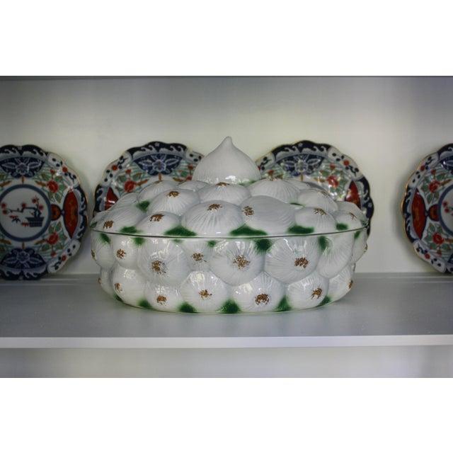 Italian Neiman Marcus Italian Garlic Bulb Tureen / Covered Casserole Dish For Sale - Image 3 of 11