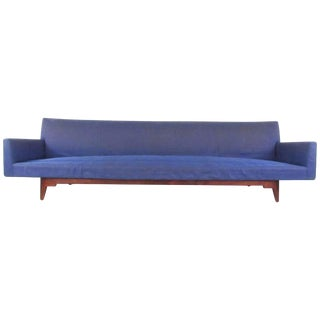 Long Vintage Modern Sofa by Jens Risom Manufacturing For Sale