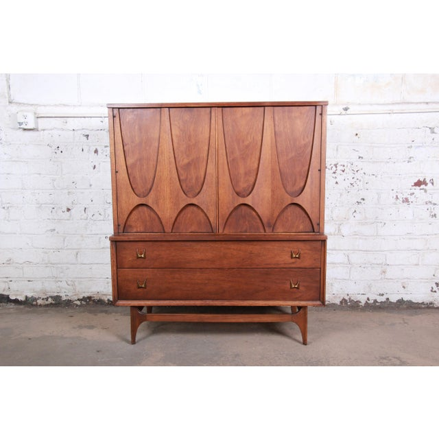 Broyhill Brasilia Mid-Century Modern Sculpted Walnut Gentleman's Chest For Sale - Image 12 of 12
