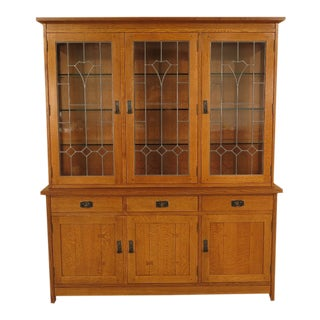 1990s Arts & Crafts Stickley Mission Oak Leaded Glass China Cabinet For Sale