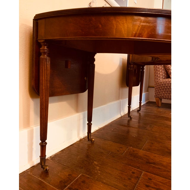 Solid Mahogany Hunt Table in the Federal Regency Style For Sale - Image 4 of 9