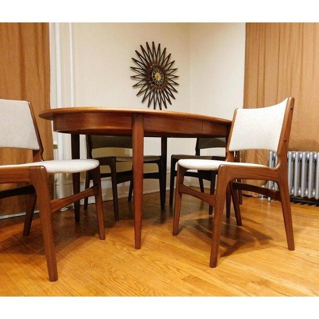 Mid-Century Modern Gudme Mobelfabrik Danish Teak Dining Table & 4 Chairs For Sale In New York - Image 6 of 6