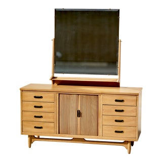 1960s Mid-Century Modern United Furniture Lowboy Dresser with Mirror For Sale