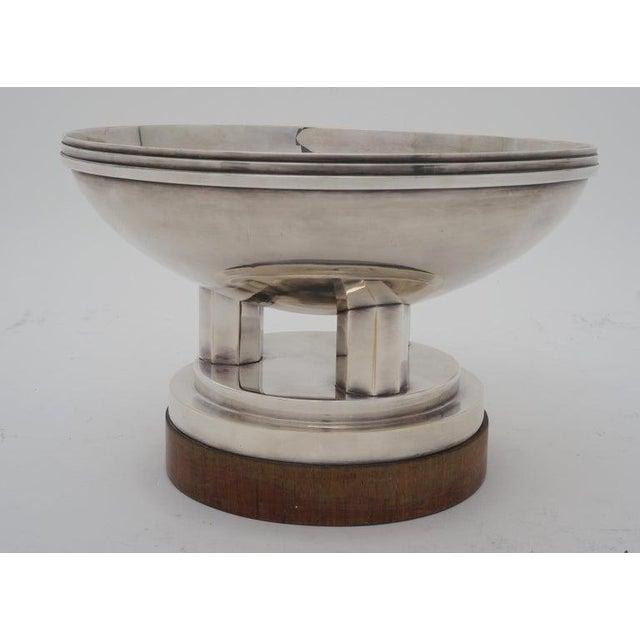 "Art Deco 1930s ""Les Fils De C. Wormser, Paris"" Compote Silver Plated on Mahogany Plinth For Sale - Image 4 of 9"