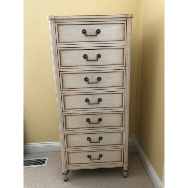 1980s French Country Kindel 7-Drawer Tall Lingerie Chest For Sale - Image 6 of 8