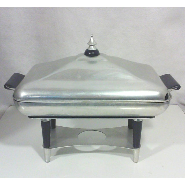Traditional Machine Age Deco Aluminum Chafing Dish For Sale - Image 3 of 8