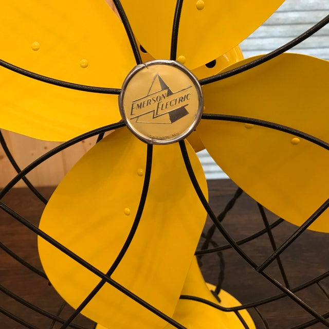 Metal Mid-Century Modern Emerson Electric Fan, 1952 For Sale - Image 7 of 11