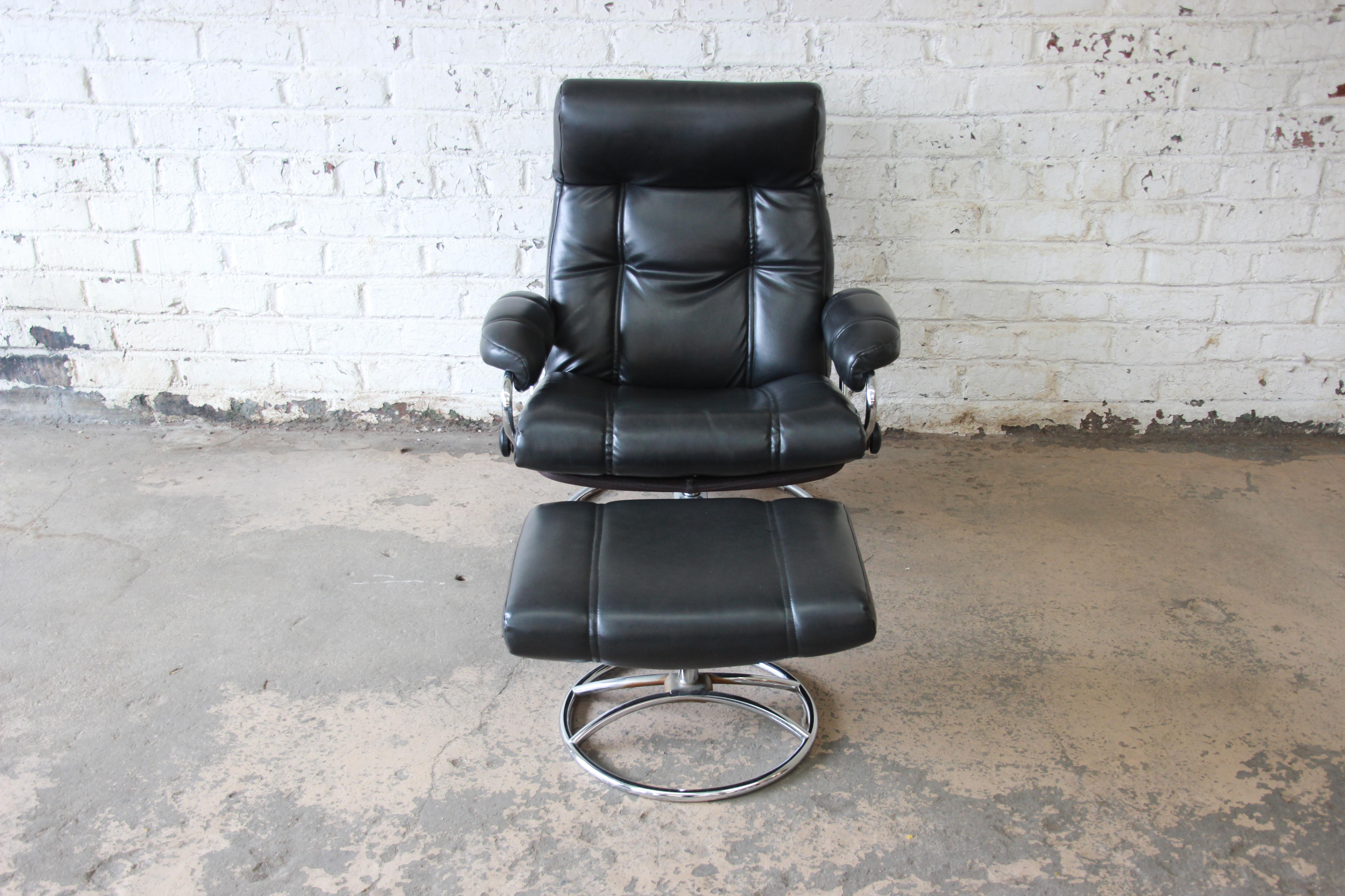Vintage Black Ekornes Stressless Chair And Ottoman   Image 3 Of 11
