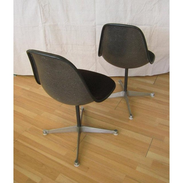 Charles Eames Pair Eames Black Fiberglass Shell Chairs, Aluminum Group For Sale - Image 4 of 8
