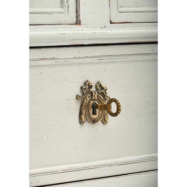 1910s Louis XVI Style French Painted Chest For Sale - Image 5 of 10