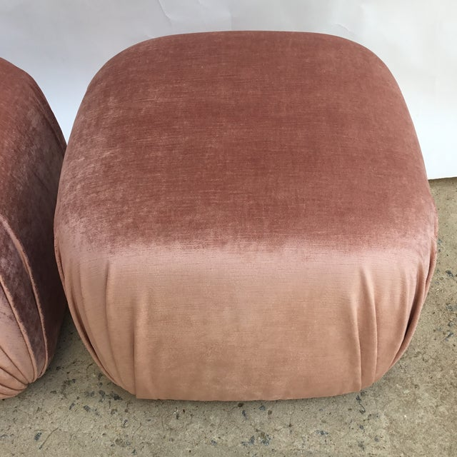 Karl Springer Pair of Vintage Ottomans Poufs in Style of Karl Springer in Rose Quartz Silk Velvet For Sale - Image 4 of 8