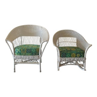 1940s Vintage Heywood-Wakefield Style White Wicker Rocker and Arm Chair - a Pair For Sale