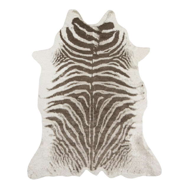 """Acrilyc Polymer Erin Gates by Momeni Acadia Zebra Grey Faux Hide Area Rug - 5'3"""" X 7'10"""" For Sale - Image 7 of 7"""