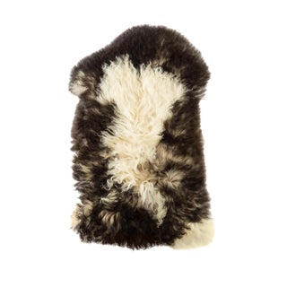 "Handmade Wool Sheepskin Pelt Rug - 1'8""x3'0"" For Sale"