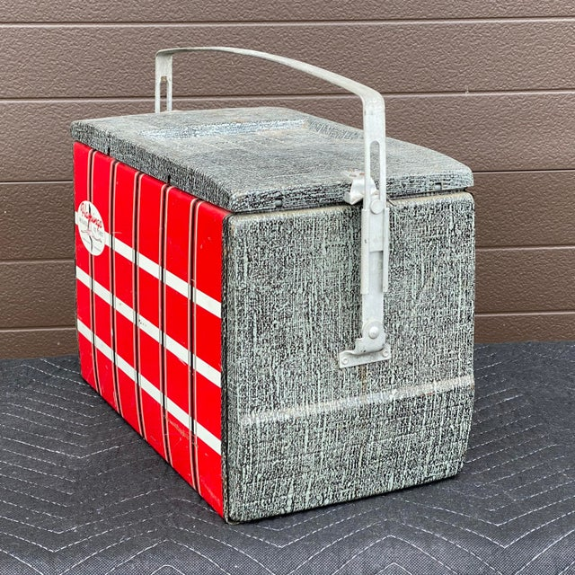 Mid 20th Century 1950s Flamingo Insulated Ice Chest Cooler For Sale - Image 5 of 13
